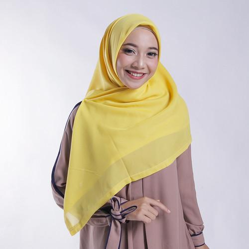 Foto Produk Zoya Kerudung Segi Empat Polos - Nov Scarf Warna Yellow dari Zoya