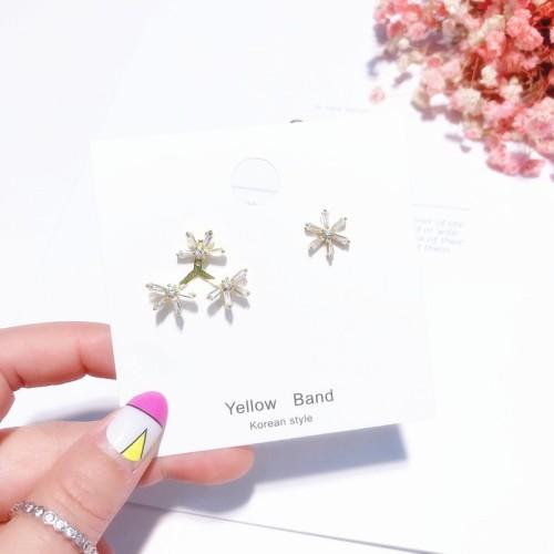 Foto Produk ( New Trend ) Anting Tusuk Model Snowflake Bahan Silver S925 untuk Wa dari presbytiscristata shop