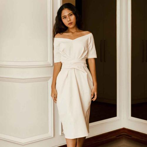 Foto Produk SABRINA WRAP DRESS WHITE - S dari At Vezzo