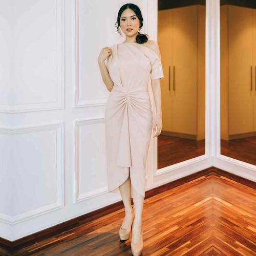 Foto Produk ARIANA WRAP DRESS LONG - BEIGE - L dari At Vezzo