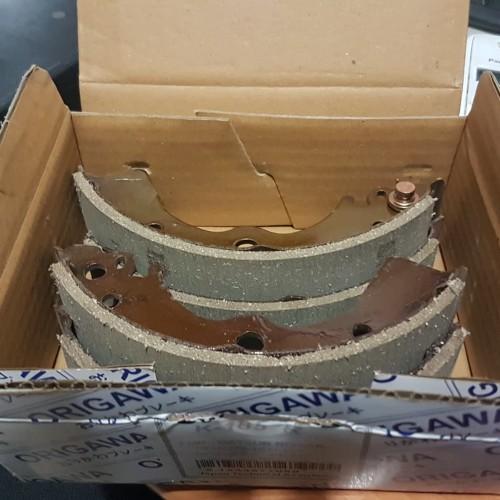 Foto Produk B13 Genesis Sunny 97 Ex Taxi Brake Shoe Kampas Rem Belakang OEM NISSAN dari Sparepart Nissan Genuine