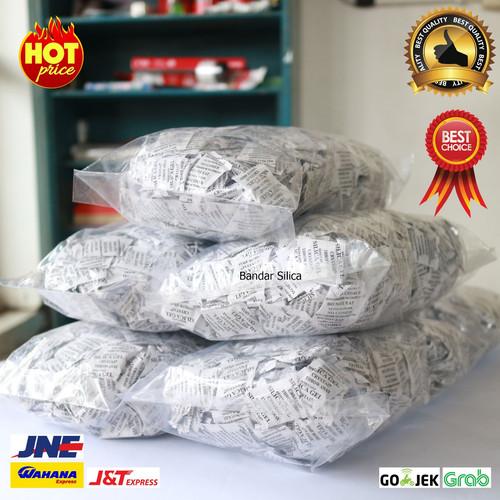 Foto Produk SILICA GEL ALAMI 1KG isi -+1000 sachet dari BANDAR SILICA GEL