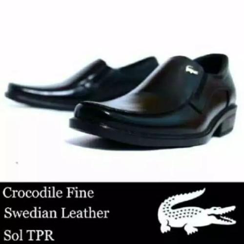 Foto Produk Sepatu Pantofel Pria CROCODILE Kulit Asli Formal Shoes Cowok (SF01) - Hitam, 38 dari raivastore
