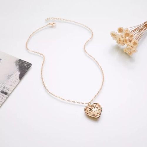 Foto Produk Kalung/liontin/necklace hati foto - Gold dari tyn-id