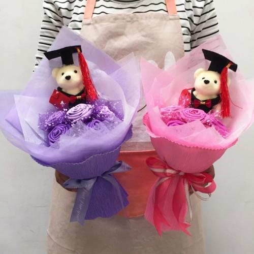 Foto Produk Buket bunga wisuda - kado wisuda murah - boneka wisuda 5bu+1bo dari Onemarketindo