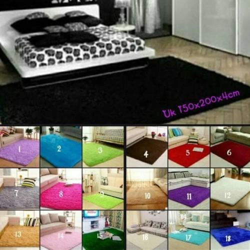 Foto Produk Karpet bulu lembut 150*200 Tebel 4cm dari Raka Here_shop