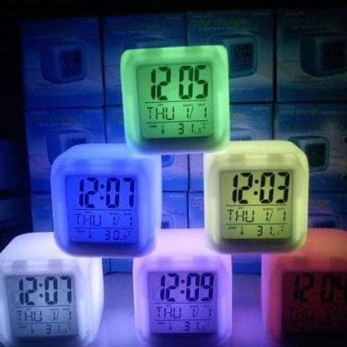 Foto Produk Jam weker alarm Moody Clock Kubus Berubah 7 Warna Pengukur suhu HHM117 dari Raka Here_shop