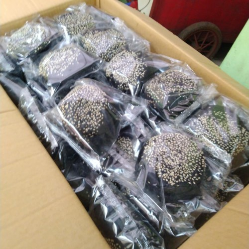 Foto Produk ROTI BURGER BLACK / HITAM WIJEN - 6 PCS dari salmah kebab