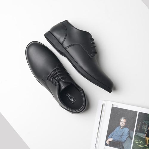 Foto Produk Sepatu Formal Pantofel Kulit Hitam Kerja Pria Cowok - BESIC POCA BLACK - 40 dari sepatulokalid