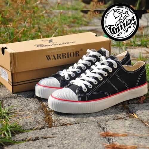Foto Produk Sepatu Warrior Classic BW Low Cut dari sepatu kodachi