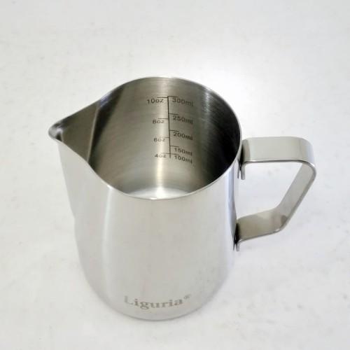 Foto Produk Liguria Milk Jug Latte Art Steam Pitcher with Measuring Scale 350 ml dari Kopi Jayakarta