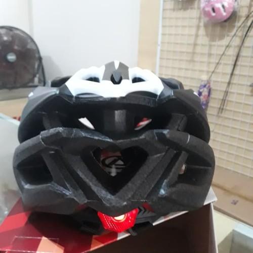 Foto Produk Helm Sepeda Pacific Warna Hitam Abu Putih Barang Asli dari CettaBaik mulia