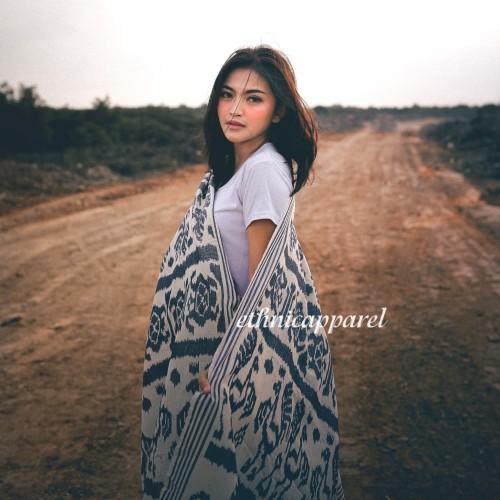 Foto Produk Kain Tenun Blanket Etnik Sumbawa dari ethnicapparelstore