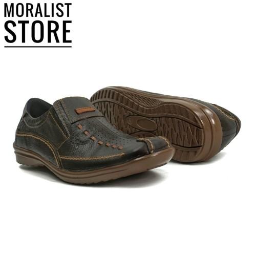 Foto Produk Sepatu Casual Pria Slip On Kulit Asli Bukan Crocodile MURAH MS005 Ck - Cokelat, 39 dari Moralist