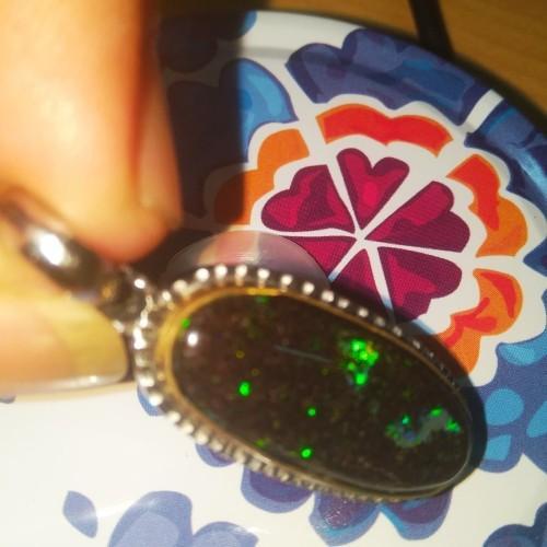 Foto Produk Liontin Black Opal Full Jarong dari Emas Logam Mulia