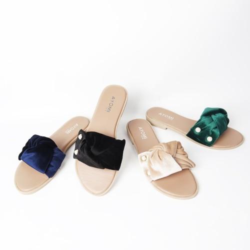 Foto Produk SENDAL AYOMI QUITTAI KODE AYM 12 MUTIARA 2 BLUDRU dari Dinasti Shoes