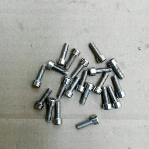 Foto Produk siap kirim Baut L Rak Botol Minum (2Pcs) Steel. Bolt For Bottle Cage. dari Ratna sirumpet