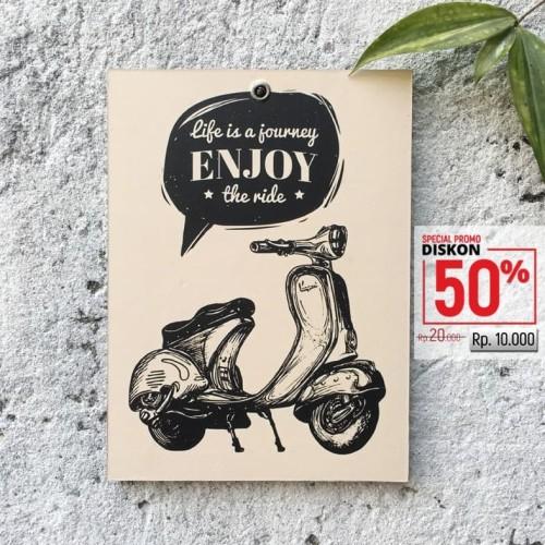 Foto Produk Hiasan Dinding Poster Art Retro Scooter Vespa BIN033 dari strataposter