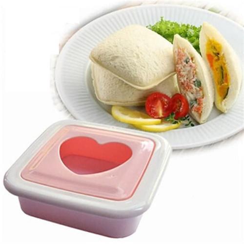 Foto Produk Sandwich Mold Cetakan Kue Roti Tawar Love Hati / Lucky Clover Semanggi - Square dari Fantasy Land