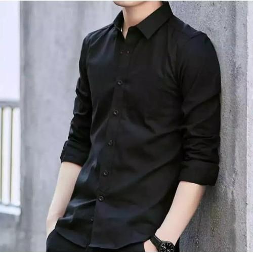 Foto Produk kemeja kantoran lengan panjang pria hitam polos model slimfit dari azam shopp