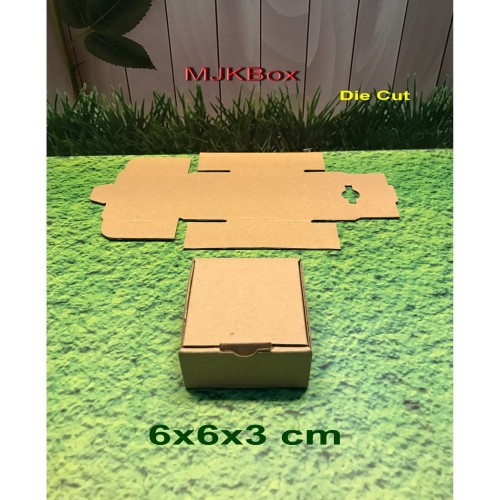 Foto Produk kotak kardus karton Uk. 6x6x3 cm.....Die Cut dari MJKbox