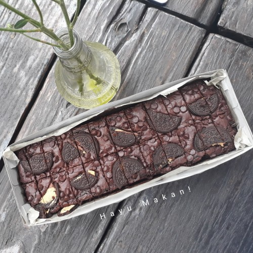 Foto Produk Brownies Oreo & Chocochips - Oreo dari Hayu Makan!