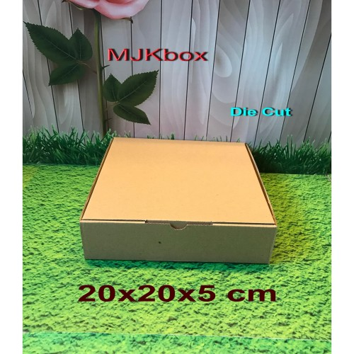 Foto Produk Kotak kardus karton Uk. 20x20x5 cm............Die Cut dari MJKbox