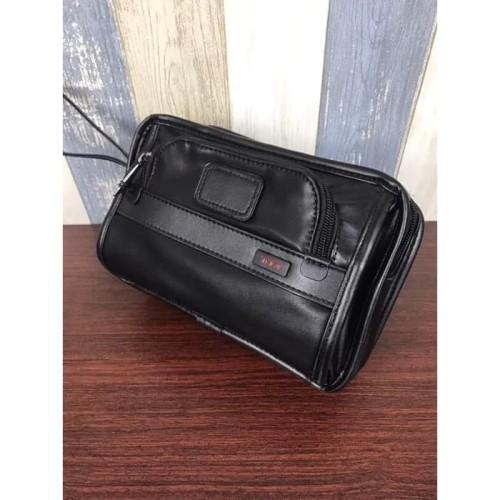Foto Produk Clutch Tu-mi Alpha Leather Handbag dari Tumi and Tami