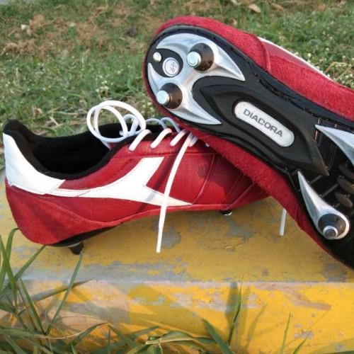 Foto Produk Sepatu bola kulit pull besi - sepatu bola diadora leather kulit asli - 36 dari Aurora23 store