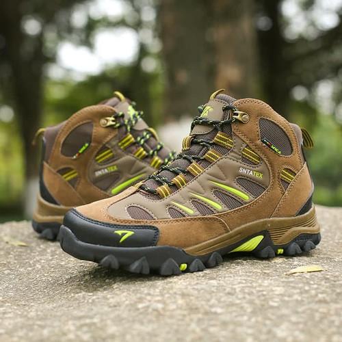 Foto Produk Sepatu Gunung SNTA 493 Original - Sepatu Olahraga Outdoor Hiking Shoes - BrownGreen dari Travelonest