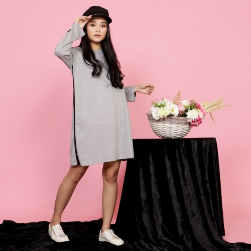 Foto Produk Yoenik Apparel Simply Line Dress Gray M13436 R37S3 dari Yoenik Apparel