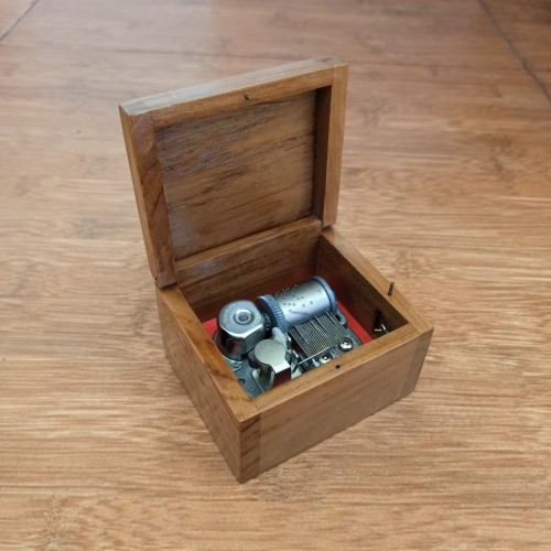 Foto Produk Sankyo Japan Wooden Music Box Automatic Canon In D 30 Note Movement dari Hotwheels_bali