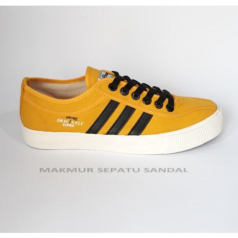 Foto Produk Sepatu Capung - Dragonfly Falcon Yellow - Kuning dari Makmur Sepatu Sandal