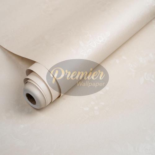 Foto Produk Wallpaper Plain with Flower Emboss   45cm x 10m - cream dari Premier Wallpaper