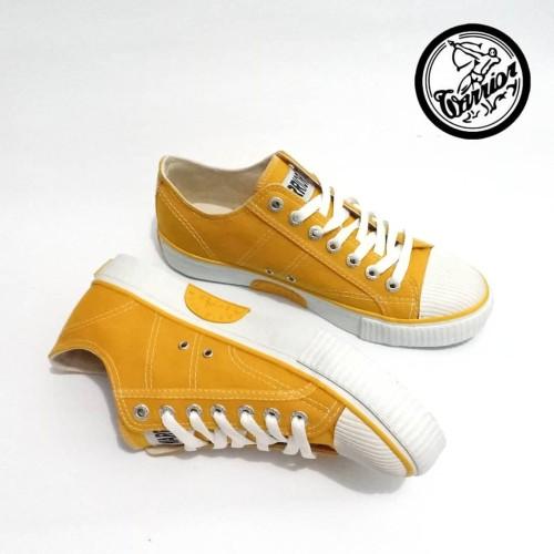 Foto Produk Sepatu Warrior Classic LC Sunflower - Yellow dari sepatu kodachi