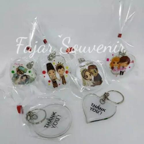 Foto Produk Souvenir Pernikahan Gantungan Kunci Pengantin Bening dari Fajar Souvenir murah