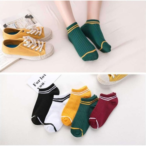 Foto Produk KM02 Kaos Kaki Pendek Wanita Three Line Women Low Socks dari EnnWen Online Store
