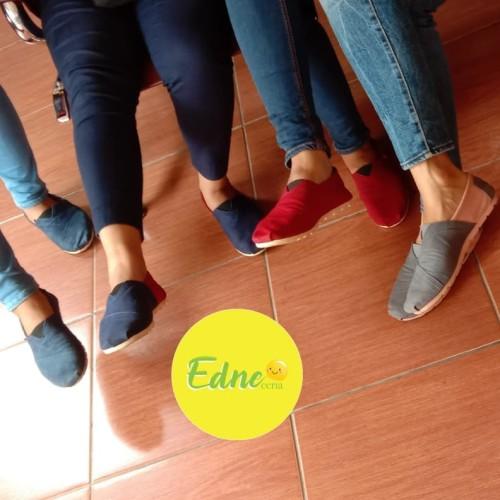 Foto Produk sepatu Wakai full maroon dari Edneceria