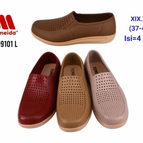 Foto Produk Sepatu Wanita Jelly Shoes Simple Slip On - flatshoes sepatu Karet flat dari Gracia OS