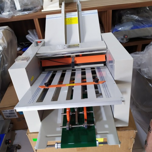 Foto Produk Aoutomatic folding machine ZE 8B/4 mesin lipat kertas dari Bintang Teknik Machinery