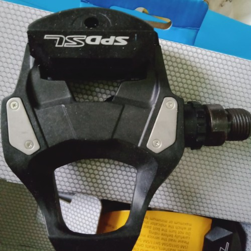 Foto Produk pedal cleat roadbike Shimano RS500 lengkap dengan cleat -original dari CYCLESHOP_SURAKARTA