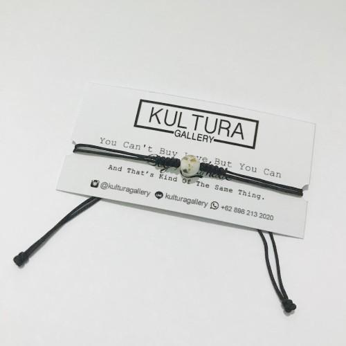 Foto Produk Gelang Batu Putih Simple ( Gelang etnik / Gelang batu / Gelang tali ) dari Kultura Gallery