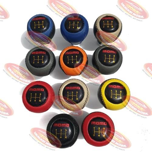 Foto Produk Gear Shift Knob Knop Perseneling Mobil MOMO Manual Limited Plat HITAM dari Zona Variasi Mobil