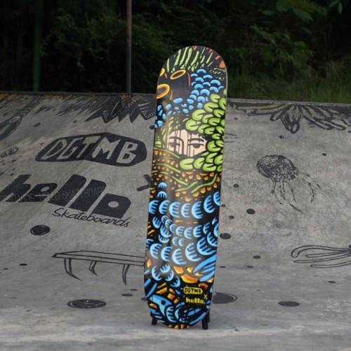 "Foto Produk Hello X Dgtmb ""Fun and Bundhas"" series blue green dari Hello Skateboards"