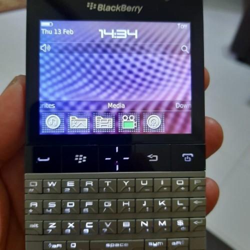 Foto Produk BlackBerry Porsche dari Jadul_poll