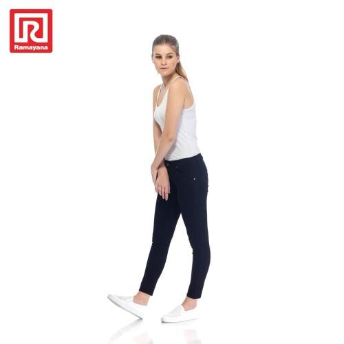 Foto Produk Ramayana - JJ Jeans - Celana Jeans Reguler Wanita Hitam - 27 dari Ramayana Dept Store