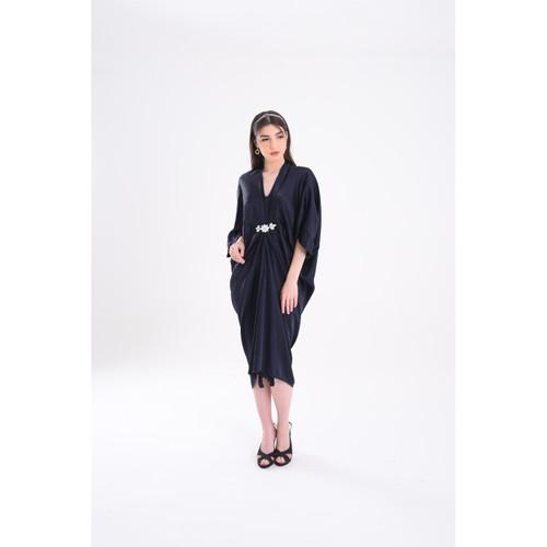Foto Produk Penguin Sleeves Rose Sateen Jacquard Kaftan w/ Diamond - Navy dari Icons