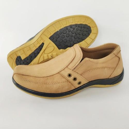 Foto Produk Sepatu casual pria slip on bahan kulit asli warna tan coklat terang - 39 dari Toko Pelangi Sda