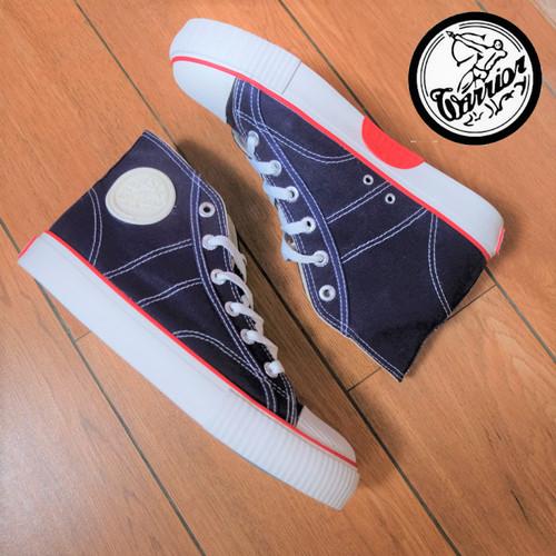 Foto Produk Sepatu Warrior Classic High Navy dari sepatu kodachi