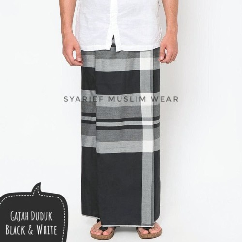 Foto Produk Sarung Gajah Duduk - Black & White dari Syarief Muslim Wear